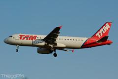 PT-MZW TAM Linhas Aereas (Thiago Pereira Machado) Tags: bsb brasilia ptmzw airbus a320232 a320 tam