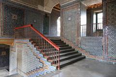 Mudejar stairs (yom1) Tags: stairs escaliers starcase mudejar deco maison casadepilatos pilatos casa europe espagne spain spanien españa andalucia andalousie seville sevilla inside monument historique