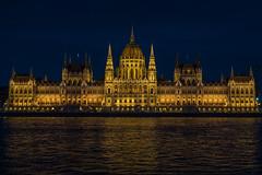 Parlamentsgebäude (Roman Achrainer) Tags: parlament budapest ungarn gebäude architektur donau achrainer