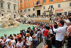 Crowds by the Trevi Fountain (zawtowers) Tags: rome roma italy italia capital city historic roman empire heritage monday 28 may 2018 summer holiday vacation break warm sunny trevi fountain packed busy people fontana built 1762 water feature sculpture nicola salvi
