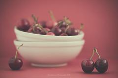 Cherries (Graella) Tags: cherries fruit red stilllife food closeup macro bowls cerezas cireres fruta fruita vermell rojo rosso bodegon