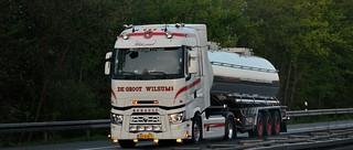 NL - De Groot Renault Range T Highsleeper >White Pearl<