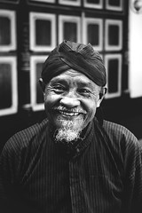 (cherco) Tags: portrait blackandwhite blancoynegro smile oldman indonesia canon 5d monochrome asia