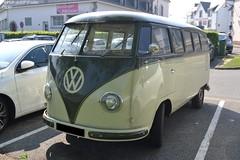 VW Kombi (Monde-Auto Passion Photos) Tags: voiture vehicule auto automobile vw volkswagen kombi ancienne classique rare rareté france plouharmel