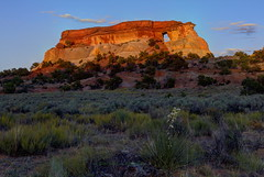 Navajo Glow: Hole in the Rock at sunset (Chief Bwana) Tags: az arizona pariaplateau navajosandstone vermilioncliffs arch window sunset psa104 chiefbwana