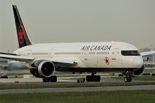 Here is Air Canada C-FRTG