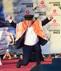 AYDIN MITINGI (FOTO 3/4) (Kişisel Photoblog) Tags: ziyakoseogluphotographerphotojournalistpoliticportrait siyaset sol sosyal sosyaldemokrasi chp cumhuriyet cumhurbaskani adayi ince muharrem aydin miting politika turkey turkiye tbmm engin altay ankara
