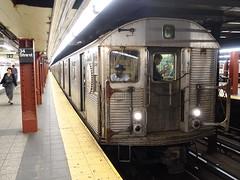 201805091 New York City subway station '34th Street–Penn Station' (taigatrommelchen) Tags: 20180520 usa ny newyork newyorkcity nyc manhattan midtown icon urban railway railroad mass transit subway tunnel station train mta r32