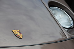 928 (vegeta25) Tags: porsche 928 headlight emblem