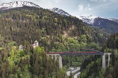 ÖBB Railjet. Trisannabrücke en Schloss Wiesberg (Hans Wiskerke) Tags: strengen tirol oostenrijk at
