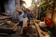 Bangladesh, Old Dhaka (Dietmar Temps) Tags: asia atmospheric bangladesh basket city colorful culture dhaka food ginger market morningsun outdoor people scene street sun tradition traditional travel urban vendor work worker