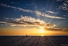 Nueva era (galavardo) Tags: olympus pen penf leicadgsummilux15mm17 lariño lacoruña galicia españa spain playa beach atardecer sunset mirrorless