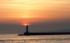 Sunset @Kadıköy/Istanbul (Engin Süzen) Tags: sunset landscape olympus olympusem1markii olympusomdem1markii olympus75mmf18 m43 m43turkiye istanbul sun sea lighthouse