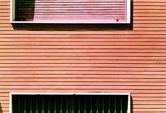 Géométrique analogue (ale2000) Tags: 400 canon lomography lomographynewpurple400 purple ql19 analog analogico analogue bricks film finestre lines mattoni muro red righe rosso wall windows lomochrome newlomochromepurple400 35mm pellicola filmisnotdead believeinfilm shifted colorshifting urban geometric blind closed chiuso parallels linee strisce redbricks cronacheurbane