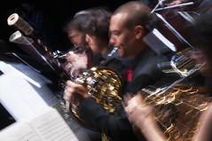 Musica en movimiento (Guillermo Relaño) Tags: cameratamusicalis guillermorelaño schuman sinfonía cuarta teatro nuevoapolo especial ¿porqueesespecial concierto nikon d90 orquesta movimiento zooming