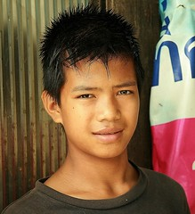 handsome boy with porcupine hair (the foreign photographer - ฝรั่งถ่) Tags: handsome teenager boy porcupine hair khlong thanon portraits bangkhen bangkok thailand canon