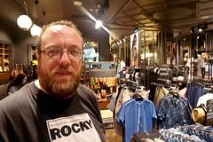 Kevin Shopping at the Suwałki Plaza (Kevin Borland) Tags: europe suwałki poland suwałkiplaza rockytshirt