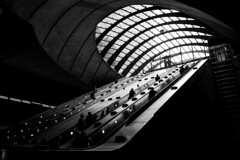 Canary Wharf station (Howard Yang Photography) Tags: london subway underground canarywharf bw leicam 28elmarit travel
