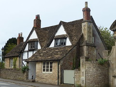Cottage in Lacock (Marit Buelens) Tags: tudor nationaltrust filminglocation england lacock cottage house fz200 wiltshire