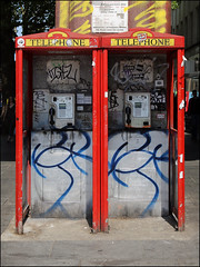 Hiviz (Alex Ellison) Tags: hiviz nts throwup throwie southlondon urban graffiti graff boobs