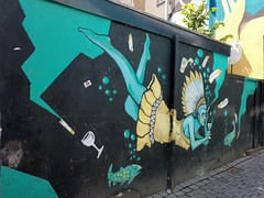 Beautiful streetartistry found in Breda, The Netherlands. A day of wandering the streets and soaking in the the beauty each city or place holds. (Daniella Velings) Tags: streetfinds streetart streetartistry freedomart straatkunst blue water beer indian creativity underwater ocean oceaan fishes vissen graffiti detail floating