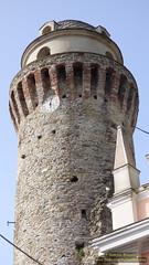 P1520721 (bebsantandrea) Tags: ortonovo luni liguria nicola borgo lunigiana centro storico piazza chiesa torre panorama collina versilia