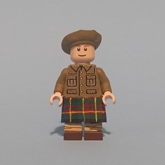 Archie, a Corporal in the Queens Own Cameron Highlanders WW1 (KPFR5Q2XZXQW774THJOIGWTBCI) Tags: lego ww1 highlanders tommy khaki soldier cameron trench greatwar scottish british