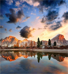 who wants to live forever (Gio_guarda_le_stelle) Tags: dolomiti dolomiten dolomites mountainscape sunrise sky clouds reflection mountainscapes nature quiete peaceful cielo riposo pace luce light queen ballad melodia paradiso
