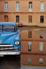 Centro - automobile 9 (luco*) Tags: cuba la havane habana havana centro automobile voiture car american américaine old vieille reflets réflections bleue blue