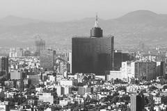 Mi ciudad ruidosa y gris. (Gerardo Nava Fotografía) Tags: sony sonyflickraward sonyalpha sonyméxico sonya77ii sonyalphamexico sonnart18135za sonyzeiss sonnart18135 sal135f18z zeiss zeisslens ciudad gris city méxico mexicocity