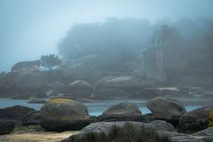 FRANCE (WeVe1) Tags: seafog brouillarddemer zeemist mist fog brouillard mood sfeer brittany bretagne neblia