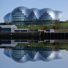 The still water mirror (WISEBUYS21) Tags: sage arena music venue concert hall opera modern art reflection silver slug newcastleupontyne gateshead bluesky river tyne baltic tynebridge tynerivercruise milleniumbridge recflections mirror glass like event classical country rock soul wisebuys21