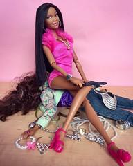 If that bitch get slick, I'll cut the bitch 🎶😘🔪 (honeysuckle jasmine) Tags: pink dolls doll queen barbietingz barbie nickiminaj