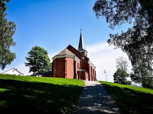 skoger nye kirke