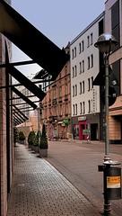 Karlsruhe, Zirkel (MHikeBike) Tags: farbig wege himmel schlossplatz schloss deutschland badenwürttemberg baden karlsruhe zirkel häuser gebäude geschäfte