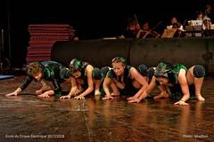CIRQUE-ELECTRIQUE.FR_1048 (Mixatom) Tags: cabaret kabaret cirqueelectrique cirque circus zirkus circo acrobates acrobat akrobat théatre contorsion contorsionniste contortion contortionist handstand equilibrist juggling jonglerie jongleur juggler gymnastique gymnastic gymnaste gymnast mainsàmains handtohand aerialsilks trapeze cordelisse rope tissu nikond750 d750 nikon nikkor tamron sigma 70200mm paris france 33