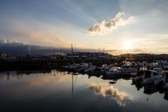 Puerto deportivo. Gijón. (David A.L.) Tags: asturias asturies gijón puertodeportivo puerto elmuelle barco barcos atardecer puestadesol nubes