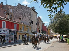 Riders in Rovinj (Wolfgang Bazer) Tags: riders reiter horses pferde rovinj rovigno istrien istria kroatien croatia