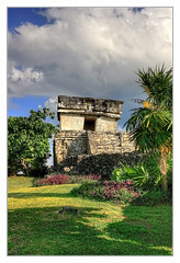 Tulum MEX - Templo del Dios Descendente 02 (Daniel Mennerich) Tags: tulum precolumbian maya quintanaroo mexico