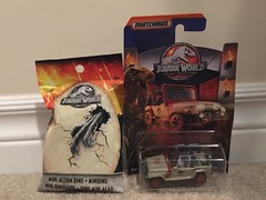 Jurassic World Matchbox car and mini action dino (splinky9000) Tags: jeepwrangler legacycollection miniactiondino toys fallenkingdom jurassicworld matchbox mattel