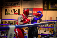 31016 - Hook (Diego Rosato) Tags: boxe boxeltaina boxing pugilato ring match incontro nikon d700 2470mm tamron rawtherapee pugno punch hook gancio