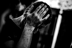 My hand on my head (PaxaMik) Tags: hand head main portrait portraitnoiretblanc noiretblanc noir black blackandwhitephotos contraste