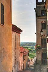 Scorci di Montiglio M.to (ErmaAnna) Tags: montiglio monferrato piemonte asti case hdr colline
