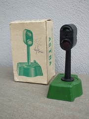 Vintage Astra Boxed 1950's Model Railway Signal / Direction / Stop Light (beetle2001cybergreen) Tags: vintage astra boxed 1950s model railway signal direction stop light