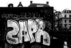 graffiti in Amsterdam (wojofoto) Tags: amsterdam nederland netherland holland graffiti streetart wojofoto wolfgangjosten zapr throws throwups throw throwup