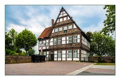 Altes Amtshaus (günter mengedoth) Tags: samyang ts 24 mm f35 ed as umc samyangts24mmf35edasumc pentax pentaxk1 k1 pk amtshaus blomberg fachwerkhaus