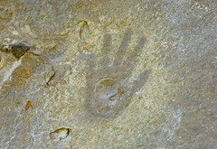 Pictograph / Chaco Culture NHP (Ron Wolf) Tags: anthropology archaeology chacoculturenationalhistoricalpark chacoan nationalpark nativeamerican puebloan anthromorph anthropomorph handprint pictograph newmexico