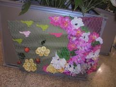 356 (en-ri) Tags: fiori finti flowers banana sony sonysti griglia uccellini little birds nero verde rosa
