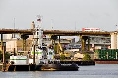 r_180608240_beat0048_a (Mitch Waxman) Tags: brooklyn eastrivershoreline gowanusbay gowanusbridges newyorkcity newyorkharbor tugboat newyork