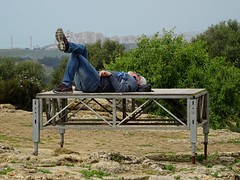Taking a break.... (stillunusual) Tags: sicily italy agrigento valleyofthetemples valledeitempli vaddidilitempri agrigentum akragas history historicalplaces peopleinthestreet urbanpeople realpeople peoplepictures candidstreetphotography candid candids candidstreetportraiture portrait humanbehaviour humannature horizon holiday vacation travel travelphotography travelphoto travelphotograph 2018